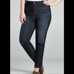 NWT Avenue denim legging Jean 28 dark wash hi rise